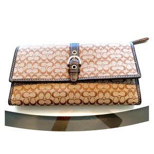NWOT Coach Signature Checkbook Wallet Tan/Brown